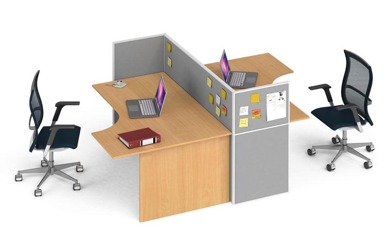 praktické sestavy kancelářských stolů