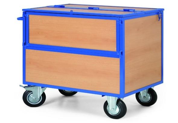 Skriňový vozík s drevenými stenami a vekom