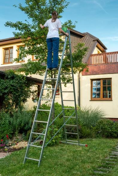 Hliníkový dvojdielny výsuvný viacúčelový rebrík HOBBY, 2x13 priečok, 6,18 m