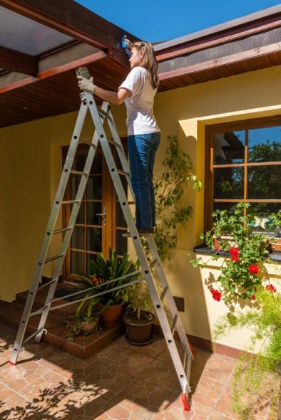 Hliníkový dvoudílný výsuvný víceúčelový žebřík HOBBY, 2x9 příček, 3,94 m