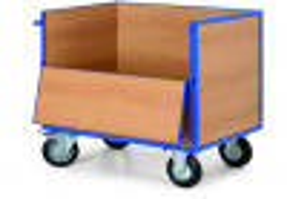 Wózek skrzynkowy z drewnianymi ścianami